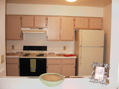 Kole Management Ashton Apartments in Richmond Hill Kitchen