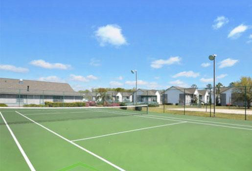 Kole Management Ashton Apartments Tennis court
