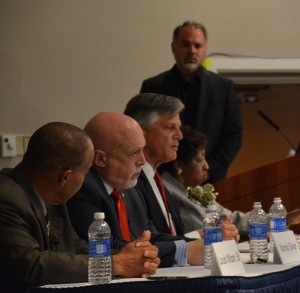 (FROM LEFT TO RIGHT) Mayoral Candidates: Louis Wilson, Murray Silver, Eddie DeLoach, Edna Jackson; and Moderator: Charles Bowen